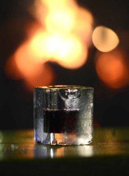 Caribou servi dans un verre de glace. (Bernard Brault, La Presse)