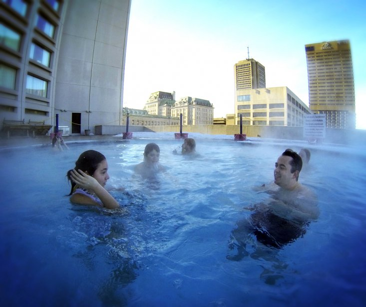La piscine extérieure chauffée de l'hôtel Hilton. | 4 février 2013
