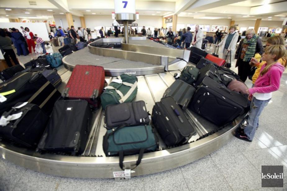Les lignes aériennes ont commencé à faire payer... (Photo archives Le Soleil)