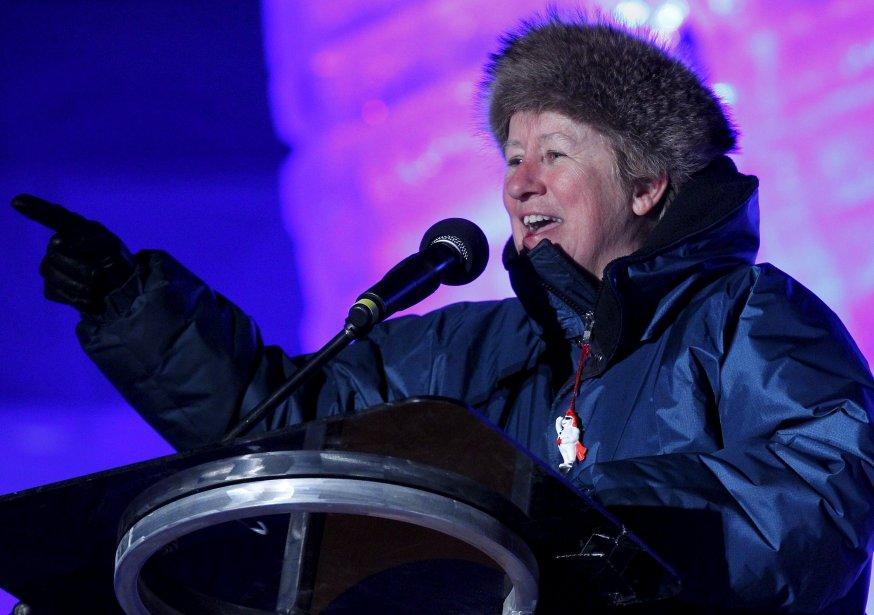«La première ministre a eu une sacrée journée à cause de la rencontre de M. Harper, elle avait pas mal de choses à faire suite à ça», a expliqué la ministre responsable de la Capitale-Nationale, Agnès Maltais, au sujet de l'absence de Pauline Marois à l'ouverture officielle du Carnaval. (1er février) | 5 février 2013