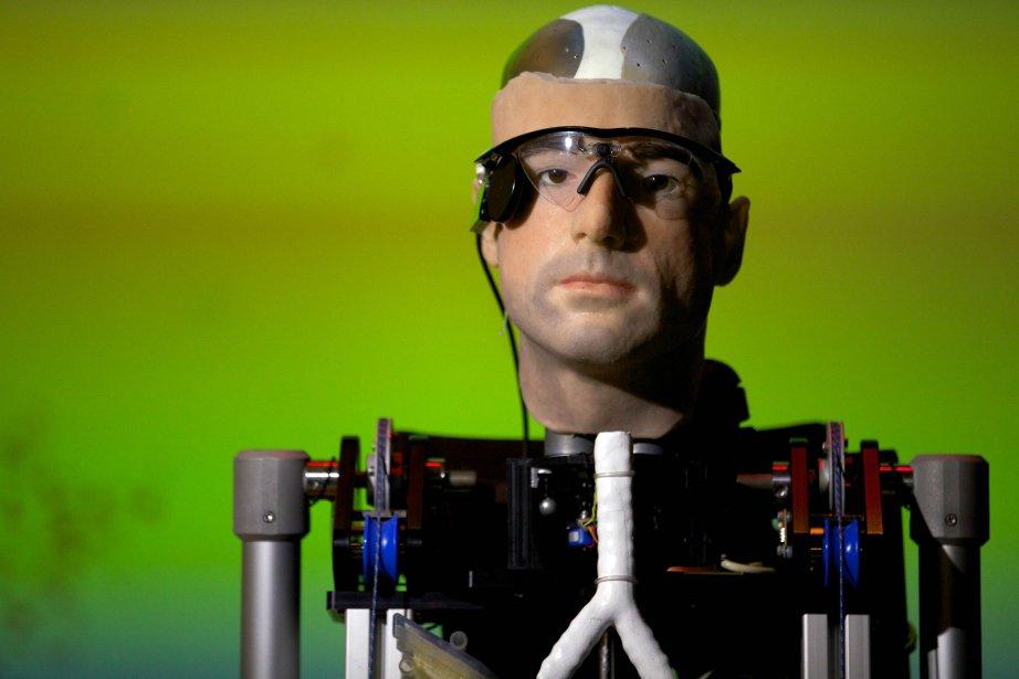 Un «homme bionique», entièrement conçu à partir d'organes de synthèse et de...