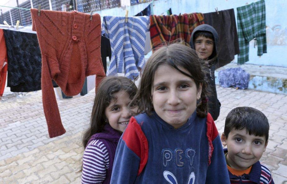 Un camp de réfugiés a été installé dans une école de Khirbet Al-Joz, une ville de la province d'Idlib, au nord-ouest de la Syrie. | 6 février 2013