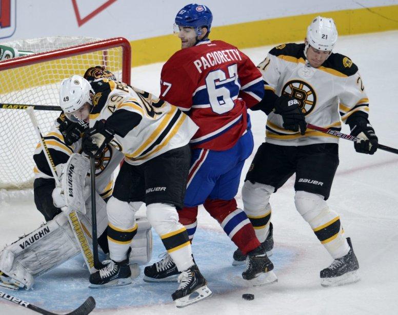 Max Pacioretty a tenté en vain de déconcentrer le gardien des Bruins. | 6 février 2013