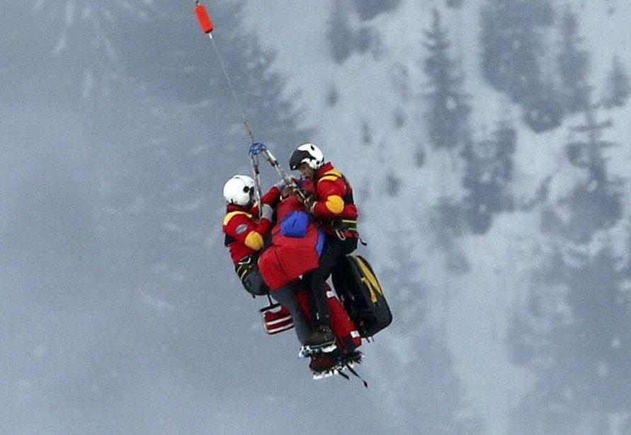 La skieuse américaine Lindsey Vonn est transportée à l'hôpital par hélicoptère à la suite de la violente chute qu'a faite la médaillée d'or en descente des Jeux olympiques de Vancouver lors de super-G de Schladming en Autriche. | 8 février 2013