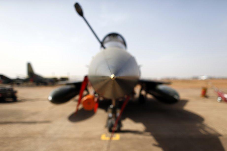 Un avion Mirage 2000D à l'aéroport de Bamako. | 8 février 2013