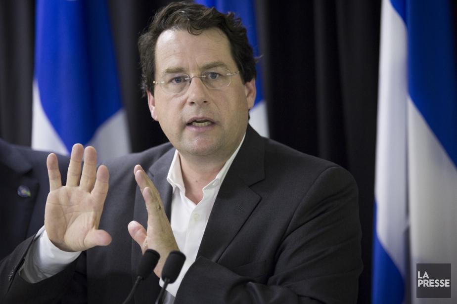 Bernard Drainville, leministre délégué aux institutions démocratiques.... (Photo Olivier Pontbriand, La Presse)