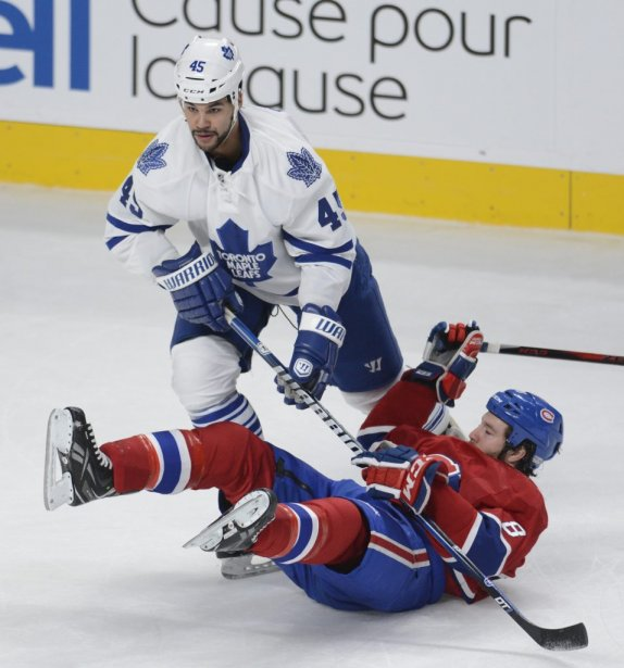Brendan Prust face à Mark Fraser. (Photo Bernard Brault, La Presse)