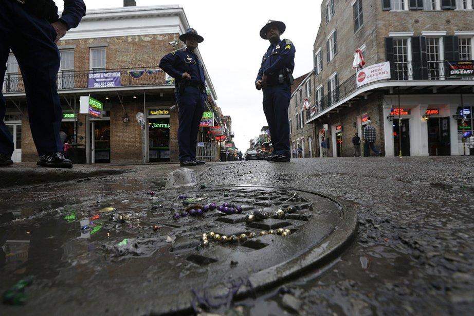 Des policiers patrouillent sur la rue Bourbon Street,... (Photo: AP)