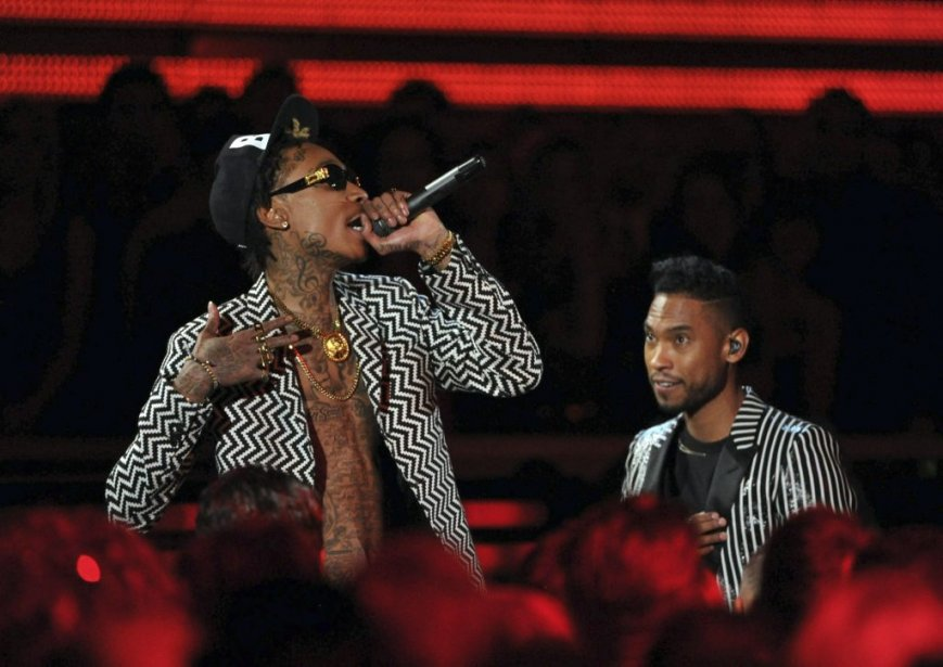 Wiz Khalifa et Miguel (Photo AP)