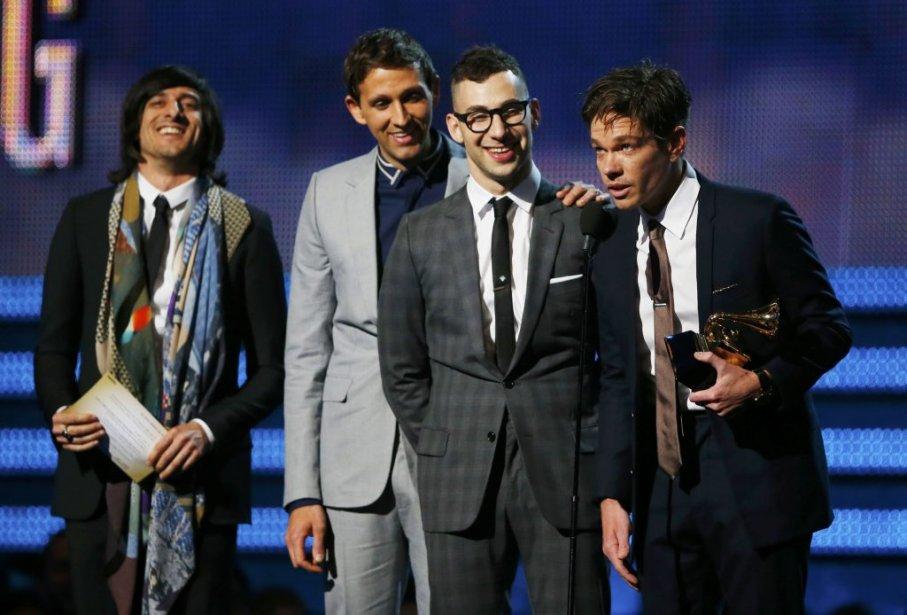 Nate Ruess et Fun recevant le trophée dans la catégorie Chanson de l'année (Photo Reuters)