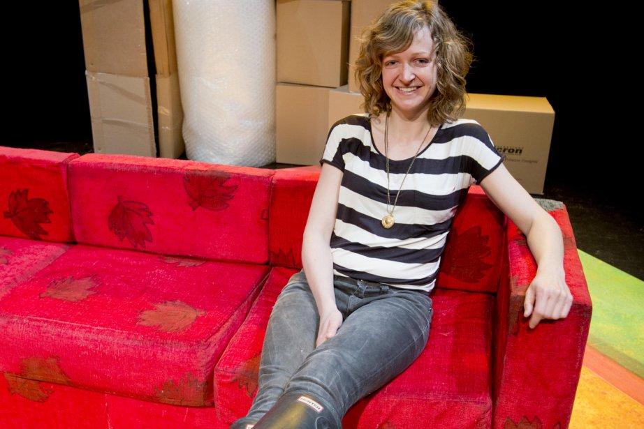 Pour l'auteure Érika Tremblay-Roy, le sofa rouge est... (Photo: Alain Roberge, La Presse)