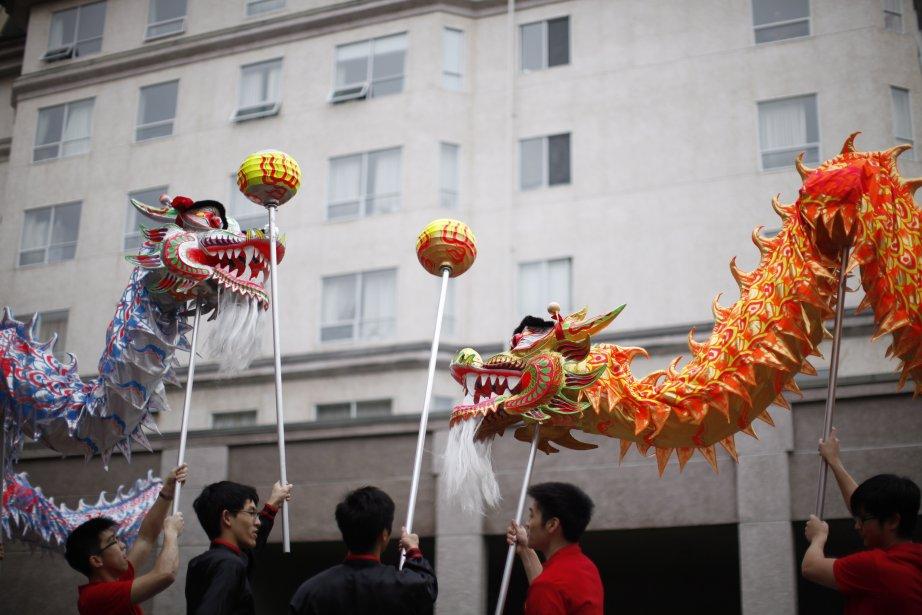 Les dragons dansent à l'occasion du Nouvel An chinois, célébré à Victoria, en Colombie-Britannique. | 11 février 2013