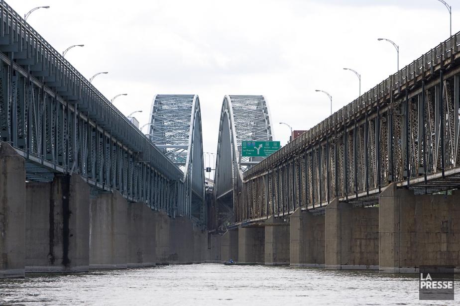 Le pont Honoré-Mercier.... (Photo archives La Presse)