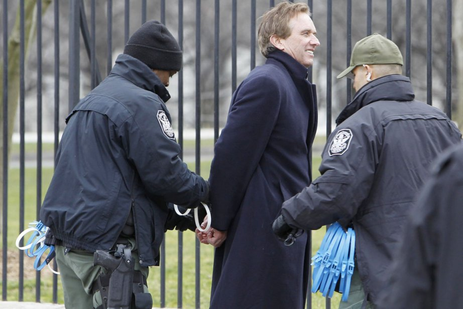 Parmi les personnes arrêtées figurent l'avocat spécialisé en... (PHOTO ANN HEISENFELT, AP)