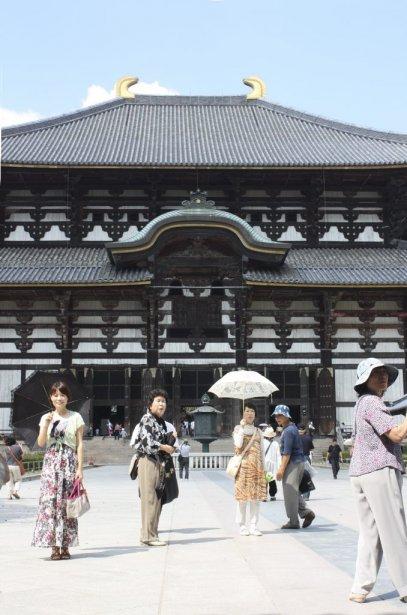 Le temple Todai-ji, le plus grand édifice en bois au monde, a traversé les siècles pour devenir une attraction touristique importante au Japon. (Photo Sylvain Sarrazin, La Presse)