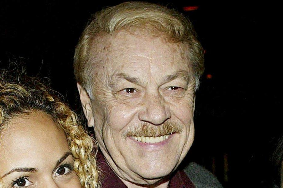 Le propriétaire des Lakers de Los Angeles, Jerry... (Photo Jerry Buss, Getty Images)