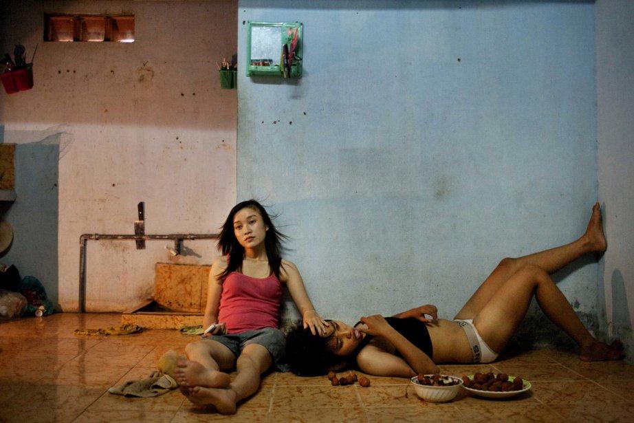 La photographe Maika Elan remporte le premier prix  dans la catégorie «enjeux contemporains» pour son reportage sur les couples de même sexe au Vietnam. | 15 février 2013