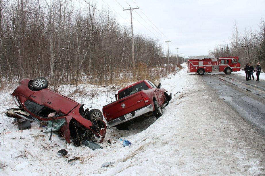 Accident qui a coûté la vie à une femme de 36 ans sur le 11e rang à Granby. | 15 février 2013
