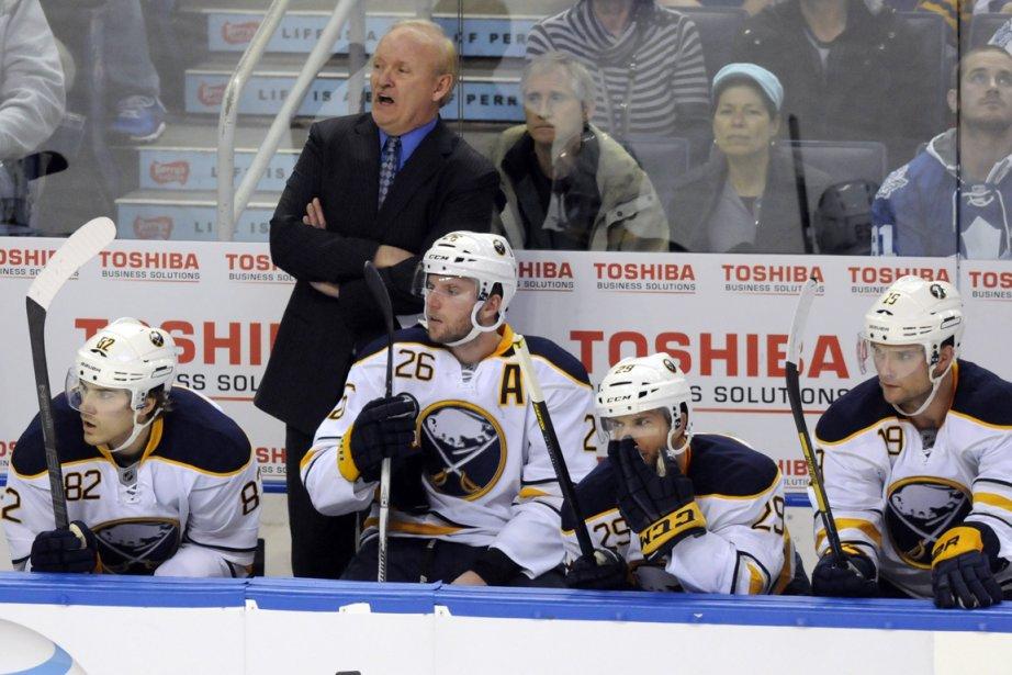L'entraîneur Lindy Ruff a été congédié par les... (Photo Doug Benz, archives Reuters)