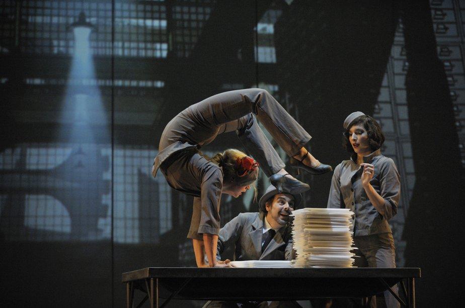 Cirkopolis met en scène un fonctionnaire désabusé qui... (Photo: fournie par le Cirque Éloize)
