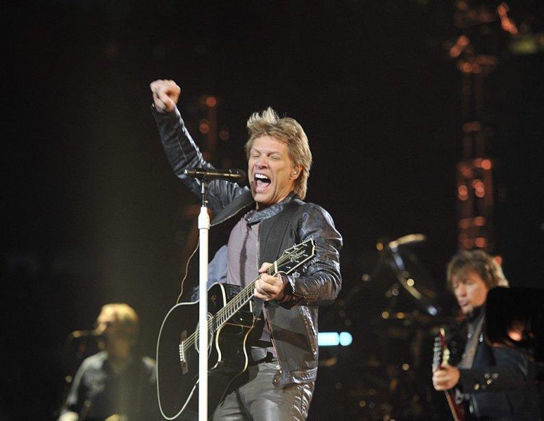 La troupe de Jon Bon Jovi s'est amenée à Ottawa avec la tournée «Because We Can» et un programme musical de plus de 25 titres. Un heureux mélange de vieux succès, d'incontournables, et de nouveaux morceaux tirés du nouvel album, «What About Now». | 21 février 2013