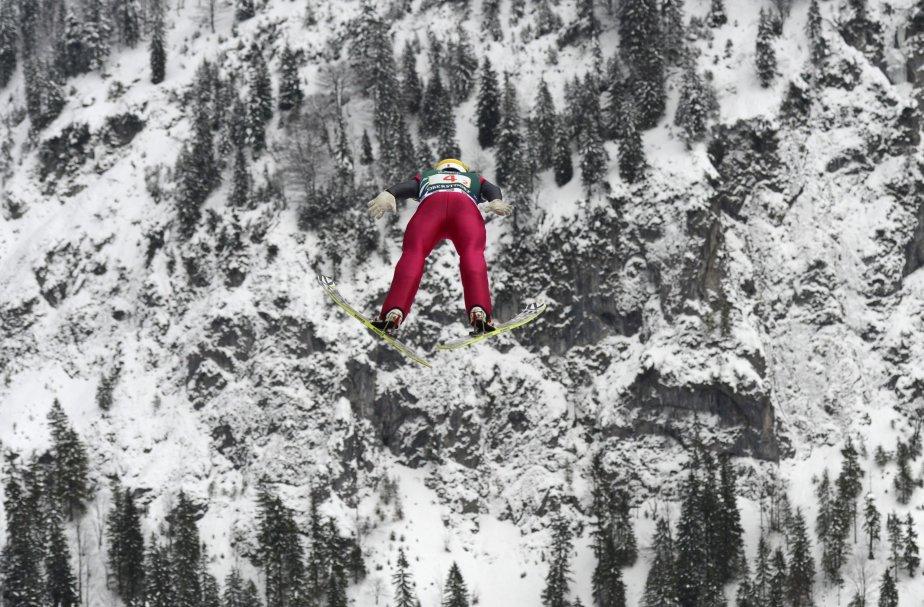 Le polonais Jan Ziobro en action au championnat du monde de saut à ski à Oberstdorf, en Allemagne. | 21 février 2013