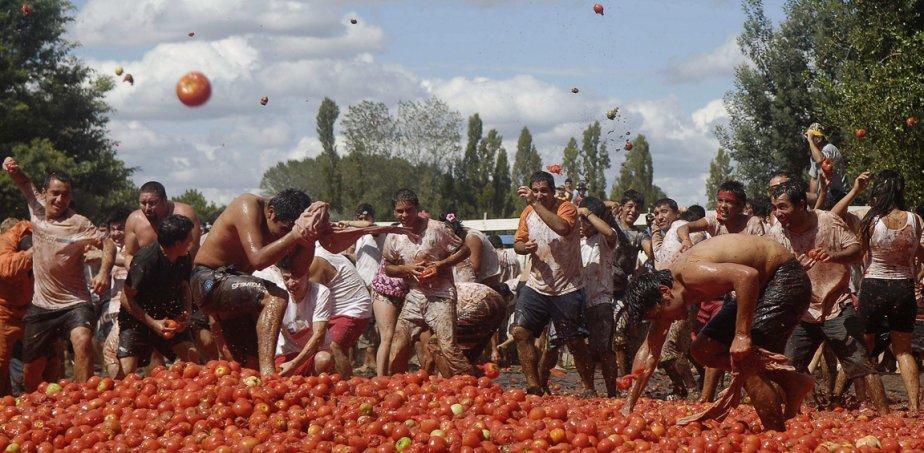 Bagarre de tomates (ou «tomatina») à Quillon, au Chili. | 21 février 2013