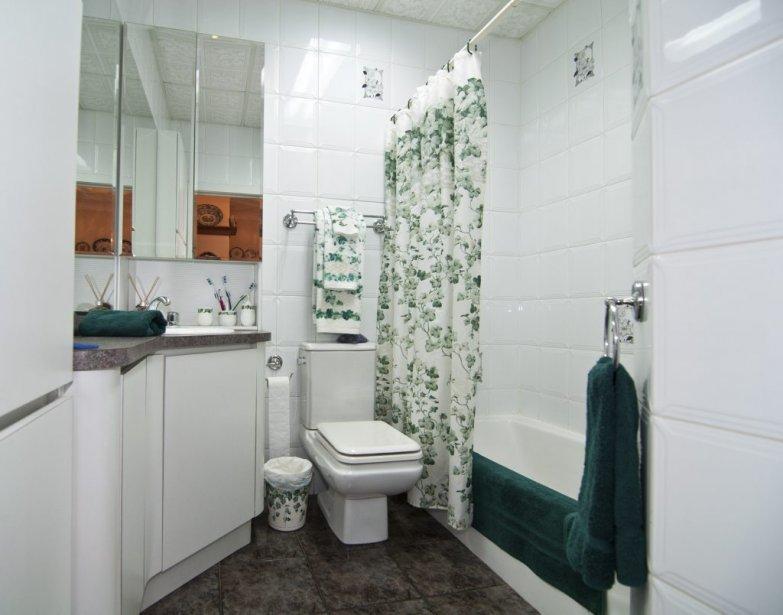 Une belle grande maison comme il ne s 39 en fait plus val rie v zina collaboration sp ciale for Decoration maison salle de bain
