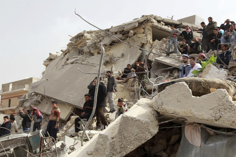 Des frappes ont fait au moins 29 morts... (Photo : Muzaffar Salman, Reuters)