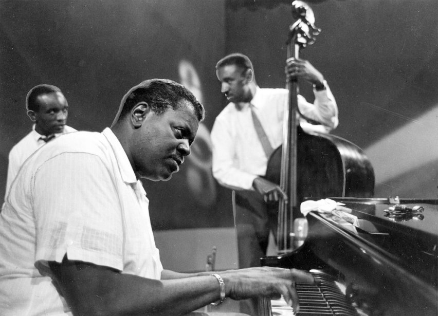Ed Thigpen à la batterie et Ray Brown... (PHOTO ARCHIVES LA PRESSE)