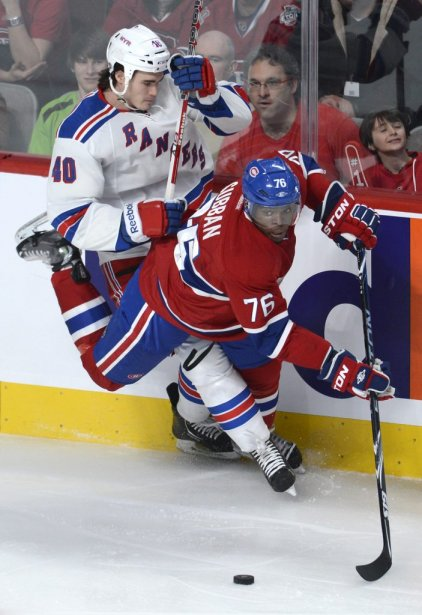Brandon Mashinter (40) empêche P.K. Subban de poursuivre son chemin. (PHOTO BERNARD BRAULT, LA PRESSE)