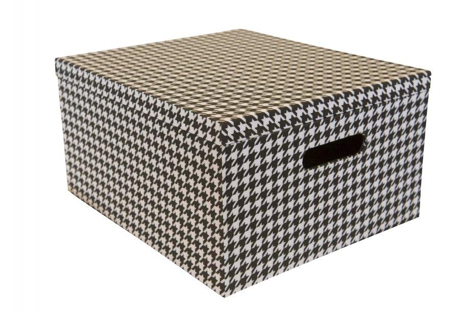 Boîte de rangement, 34,99$ chez Déco Découverte, 1540, boul. Lebourgneuf, Québec, 418 263-0288 | 24 février 2013