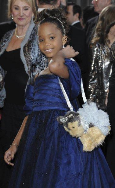 La jeune actrice Quvenzhané Wallis a fait sensation avec son sac en peluche. | 24 février 2013
