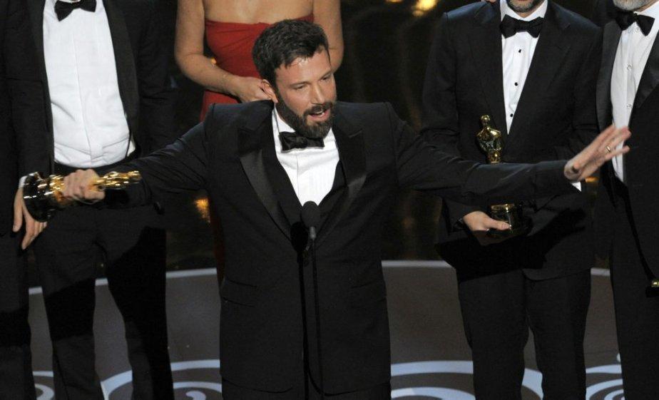 Le réalisateur Ben Affleck reçoit l'Oscar du meilleur film pour... | 2013-02-25 00:00:00.000
