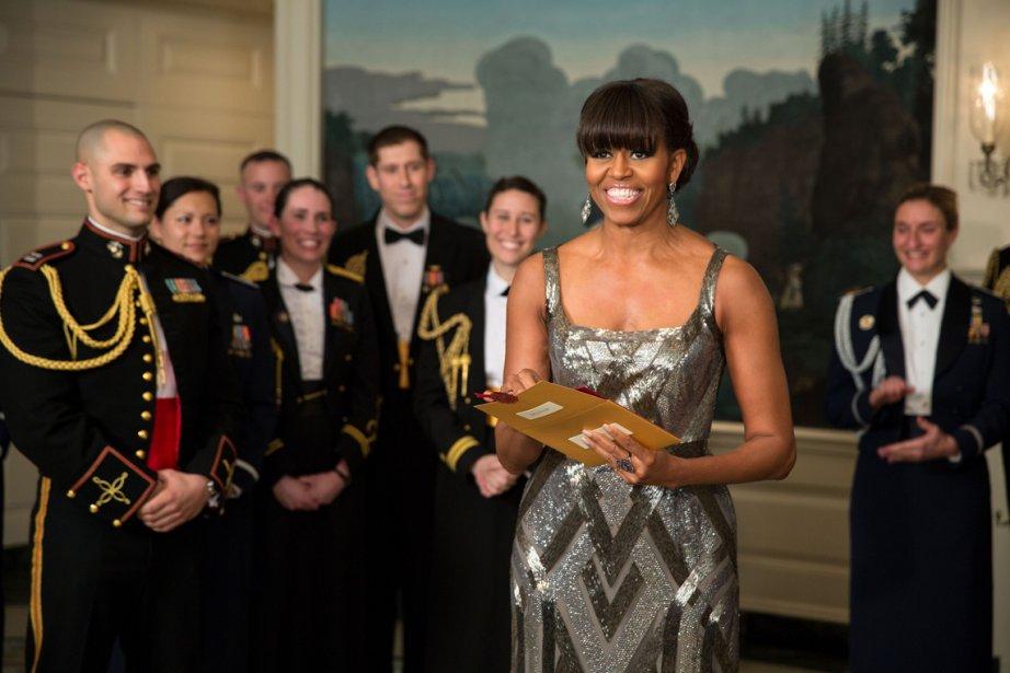 Michelle Obama annonce l'attribution de l'Oscar du meilleur film à «Argo» dans la salle diplomatique de la Maison-Blanche. | 25 février 2013