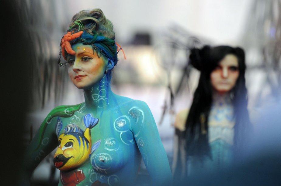 Des mannequins présentent des peintures corporelles au Festival international des arts Nevskie Berega à Saint-Pétersbourg, deuxième ville de Russie. | 25 février 2013