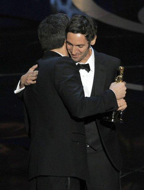 Ben Affleck a félicité Malik Bendjelloul, réalisateur de Searching for Sugar Man, Oscar du meilleur documentaire. | 25 février 2013