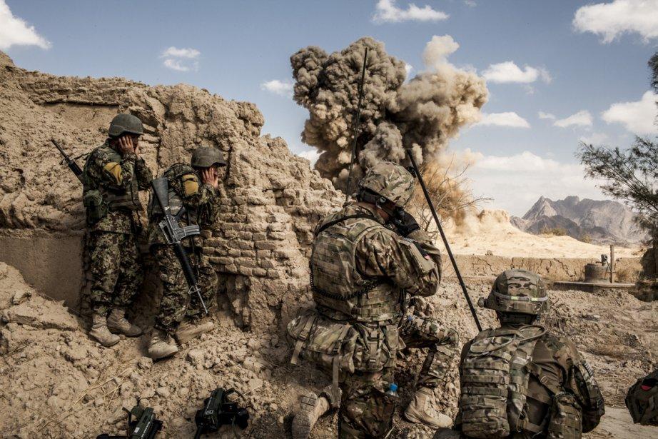 Des soldats de l'Armée nationale afghane et de l'Armée américaine... | 2013-02-25 00:00:00.000