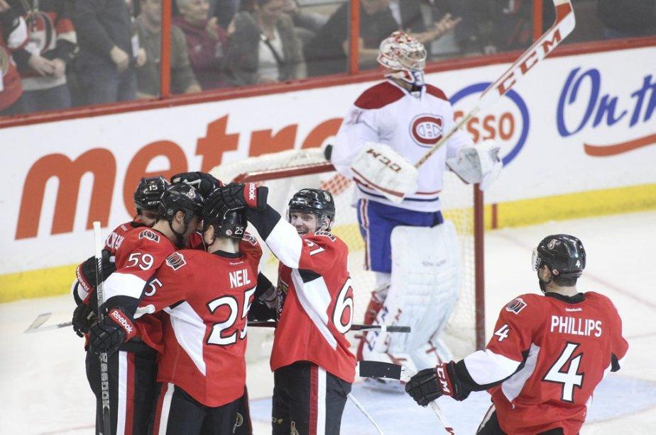 but de David Dziurzynski pour faire 1-0 entre  Senateurs et  Canadien  en 2eme periode PATRICK WOODBURY, LeDroit | 25 février 2013