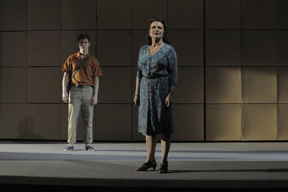 Maxim Gaudette et Marie-Thérèse Fortin incarnent un fils... (Photo: fournie par le Théâtre d'Aujourd'hui)