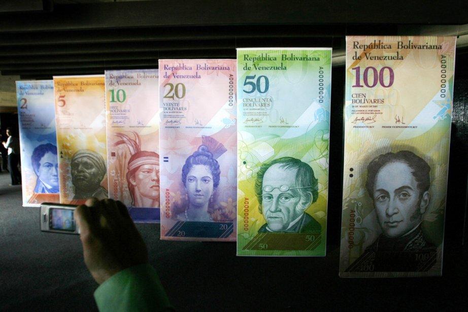 Le Venezuela, qui affiche officiellement une inflation de... (PHOTO JORGE SILVA, REUTERS)