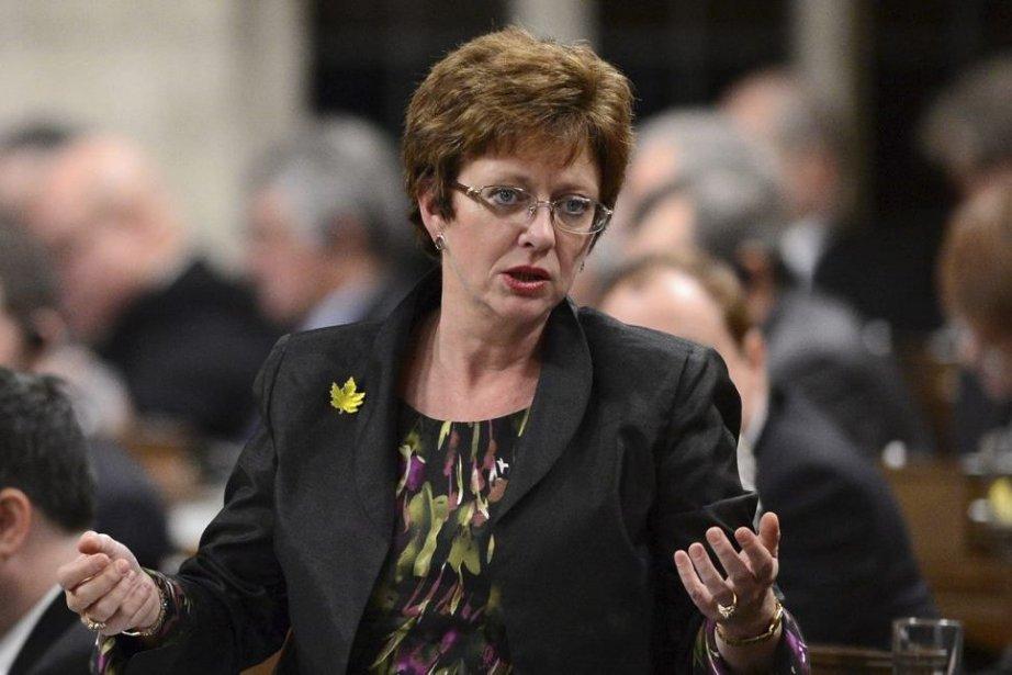 Autant DianeFinley (notre photo) maîtrise mal ses dossiers,... (Photo La Presse Canadienne)