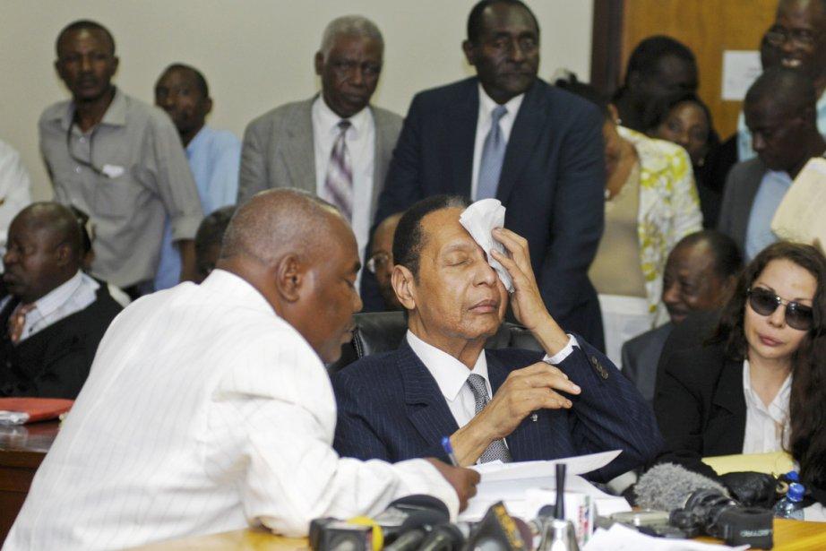 L'ex-dictateur Jean-Claude Duvalier a eu chaud hier, alors... (PHOTO SWOAN PARKER, REUTERS)