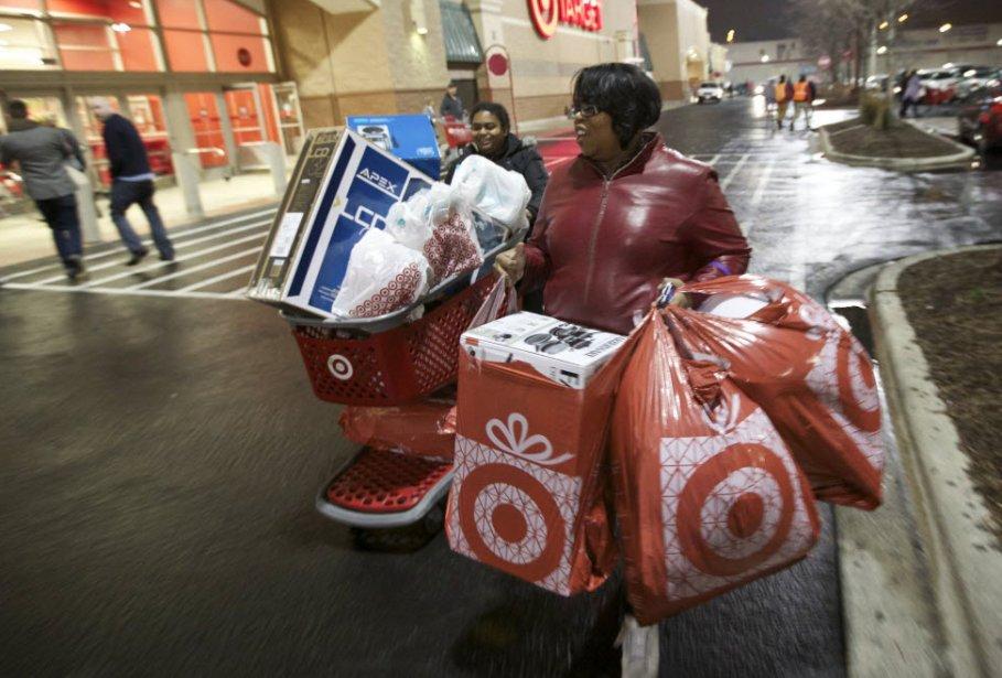 La consommation des ménages a légèrement accéléré aux États-Unis en janvier...