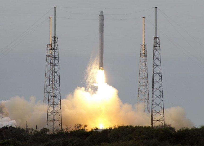 Il s'agit du troisième vol de Dragon vers... (Photo John Raoux, Associated Press)