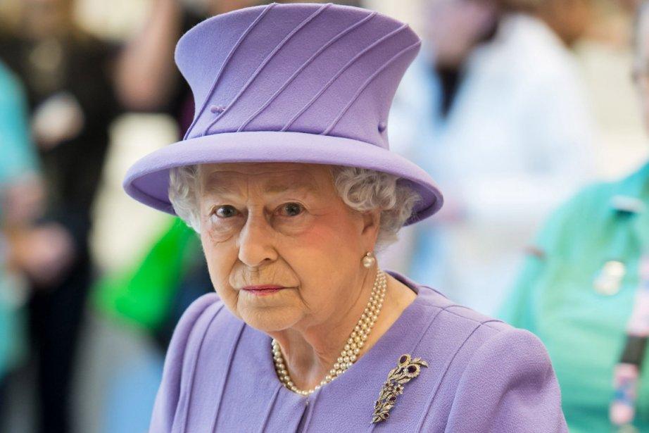 Un malaise gastrique a forcé la reine Élizabeth... (Photo : Ian Gavan, AFP)