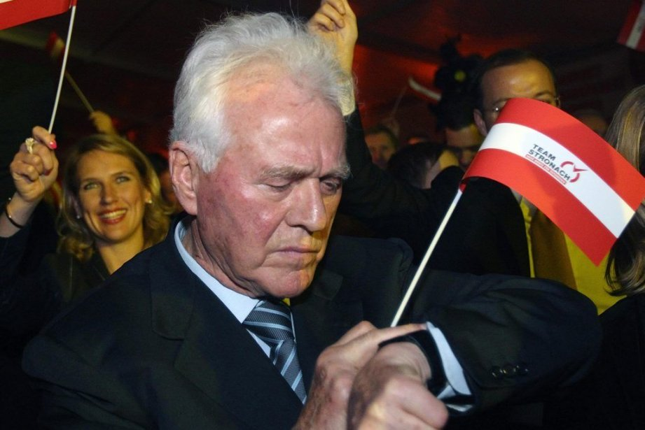 Le milliardaire austro-canadien eurosceptique Frank Stronachs'est lancé dans... (PHOTO HEINZ-PETER BADER, REUTERS)