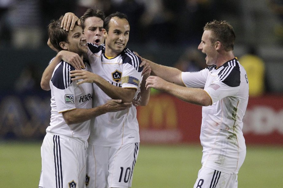 Mike Magee, Todd Dunivant, Landon Donovan et Chris... (Photo Jae Hong, AP)