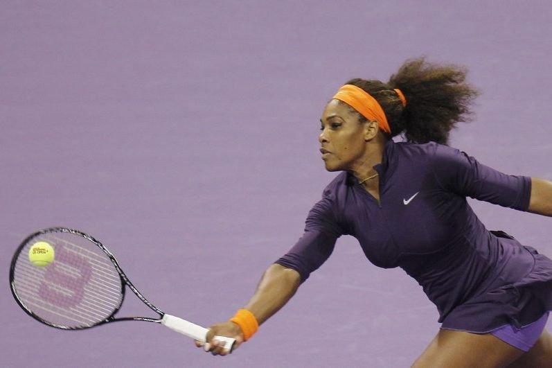 Serena Williams s'était foulé la cheville droite lors... (PHOTO MOHAMMED DABBOUS, REUTERS)