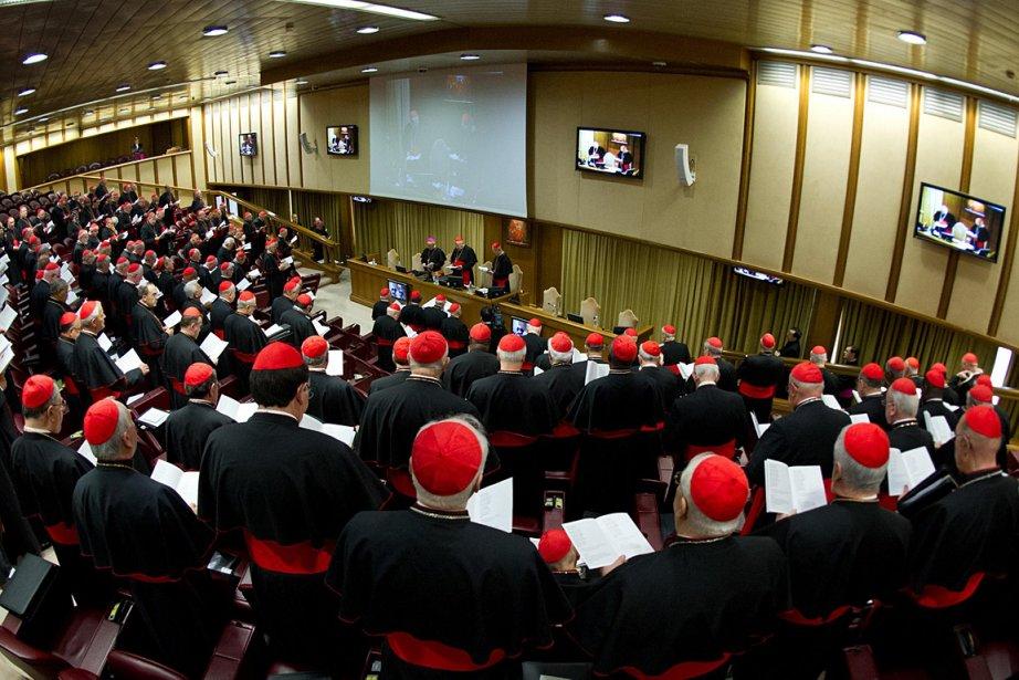Des cardinaux se sont réunis à Rome afin... (Photo: AP/L'Osservatore Romano)